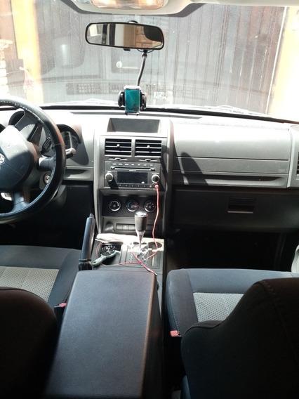 Dodge Nitro Slt Premium 4x2 At 2010