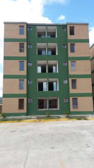 Apartamento En Alquiler En Las Cayenas Charallave