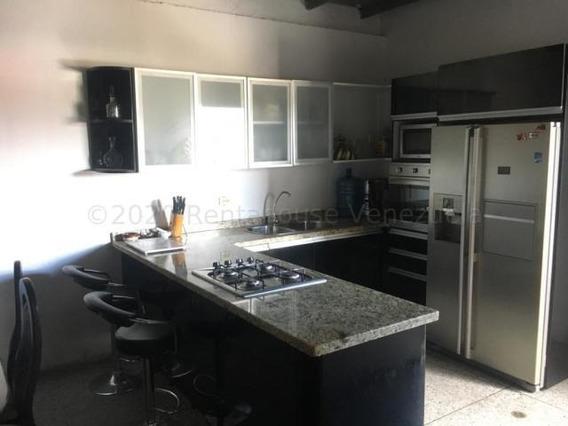 Casa En Venta Zona Centro Barquisimeto 20-24066 Kcu