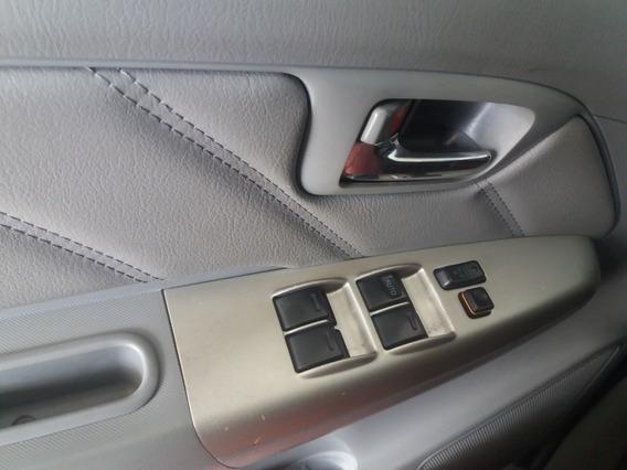 Toyota Hilux 3.0 Srv Cab. Dupla 4x2 4p 2010