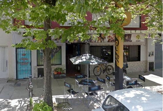 Local En Alquiler En Centro Campana. 250 M2 En Una Planta. Av Varela A Media Cuadra De La Plaza