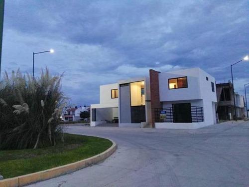 Casa Sola En Venta Fracc Villas De Tabora