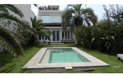 Imagen 1 de 26 de Alquiler Casa, C/ Vista Al Mar, 3 Dorm. C/ Piscina