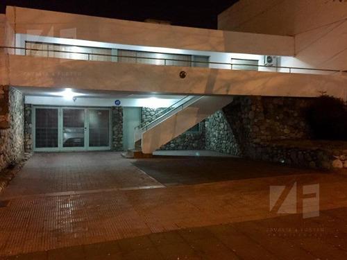 Casa Parque Chacabuco 3 Dorm A Metros Shopping V. Cabrera