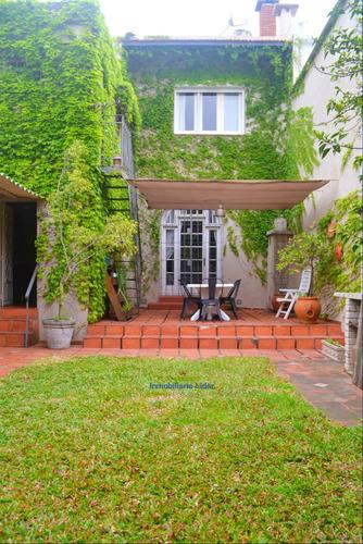 Casa 4 Dormitorios Y Jardín En Pocitos