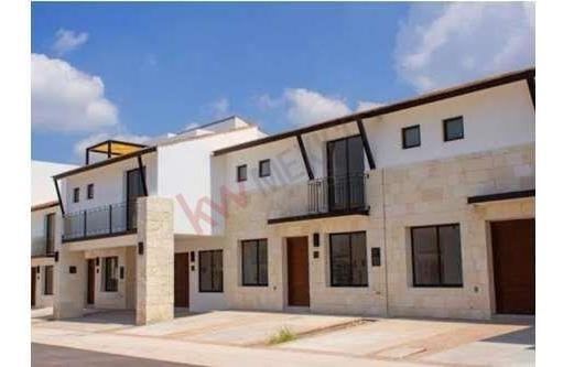 Hermosa Casa Nueva En Renta En Torre De Piedra Gran Reserva, Con Una Excelente Ubicación A 5 Minutos De Plaza Antea Y Otros Servicios.