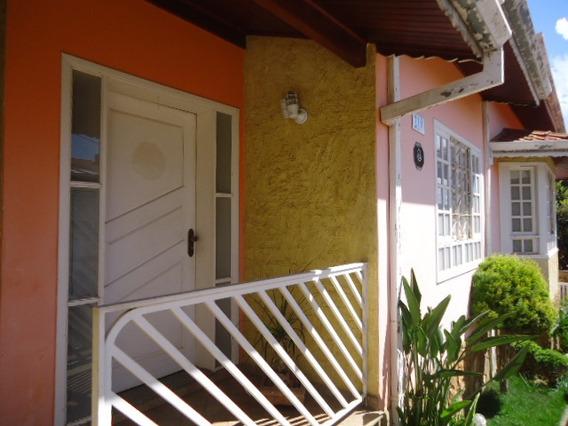 Casa Térrea No Centro De Itapeva / Mg - Ca-373