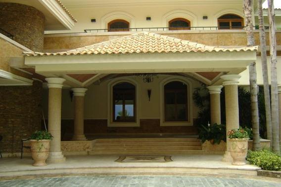 Casa En Venta En Urb. Cerro Verde Mls # 19-2