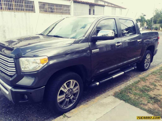 Toyota Tundra Pick Up D/cabina 4x4