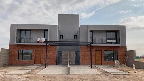 Imagen 1 de 12 de Dúplex De 3 Dormitorios  En Venta  En San Ignacio Village. Se Escucha Oferta.