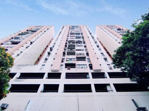 Apartamento En Venta Res Los Mangos Cod 20-24339
