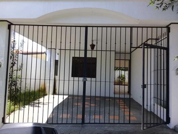 Alquilo Hermosa Casa En Residencial