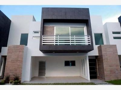 Casa Sola En Venta Cluster 10 Fracc. Real Campestre