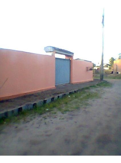 Garagem Grande, Cabe Mais De 1 Carro. Quintal Grande!