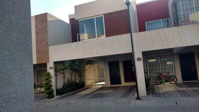 Se Renta Casa En Toluca Frente A Parque Toluca 2000