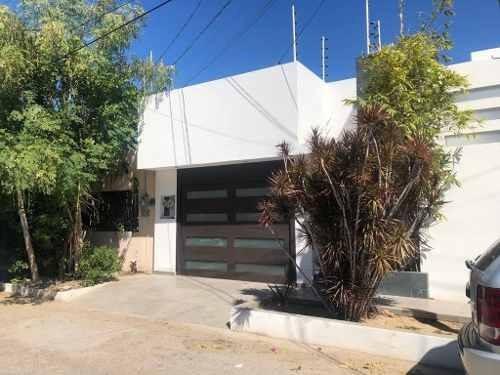 Casa En Renta Con Departamento Amueblado.