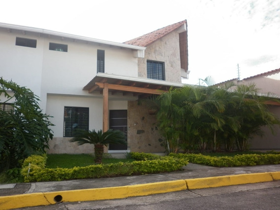 Casa Conjunto Privado Metropolitano