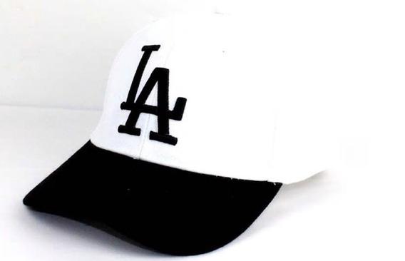 Boné La Dodgers Masculino Branco Com Aba Preta