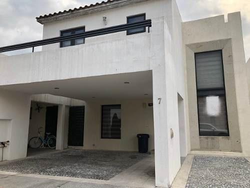 Casa En Venta En El Castaño Metepec