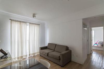 Apartamento No 3º Andar Mobiliado Com 2 Dormitórios E 2 Garagens - Id: 892853975 - 153975