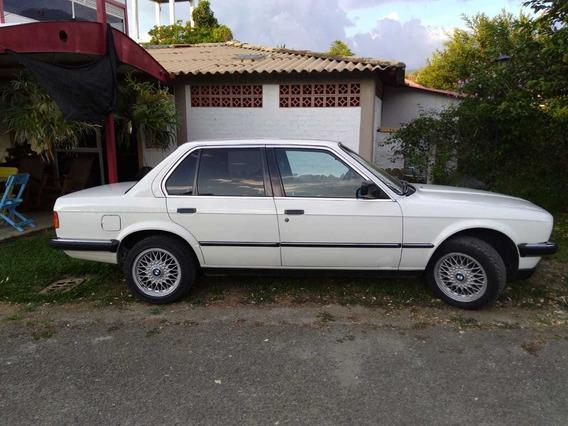 Bmw E30, 320i Modelo 1984
