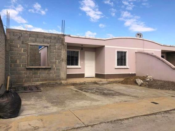 Casa En Venta Norte De Barquisimeto #20-5999 As
