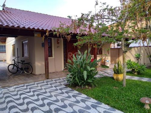 Casa Em Belém Novo Com 2 Dormitórios - Lu431677