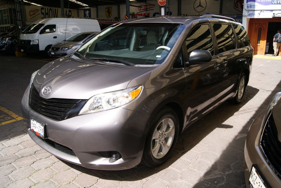 Toyota Sienna Ce 2013. Aut, A/c, Cd-mp3 ,rin 17 .