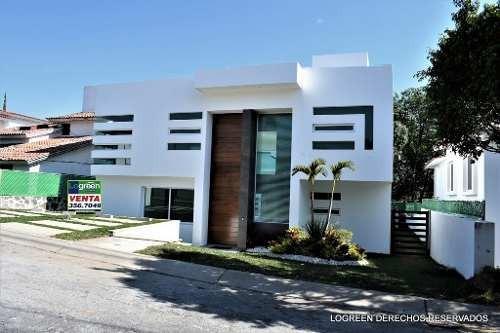 Estrene Bonita Casa Con Moderno Y Funcional Diseño