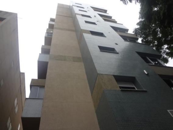 Apartamento Em Rio Branco Com 1 Dormitório - Ei9157