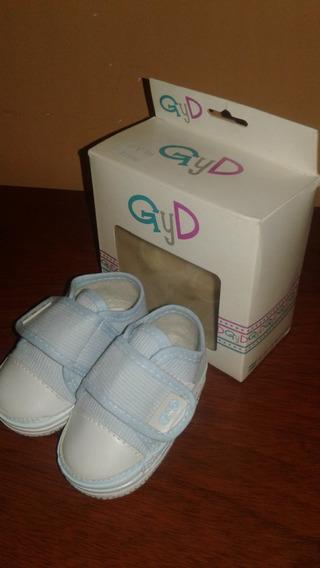 Zapatillas Para Bebe Gyd Con Abrojo, Talle 17, En Caja