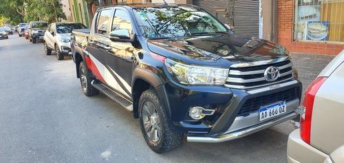 Toyota Hilux 2.8 Cd Srv 177cv 4x4 At 2016