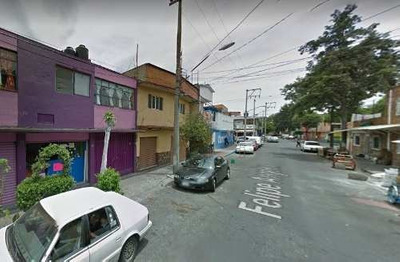 Casa En Calle Felipe Ángeles En Remate Bancario