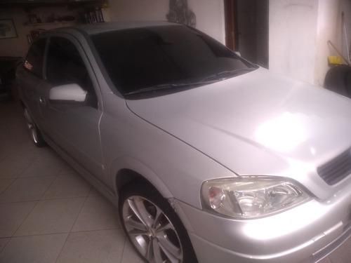 Imagem 1 de 6 de Chevrolet Astra