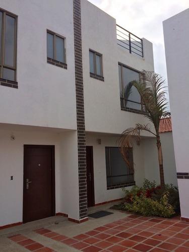 Renta Casa Moderna En Condominio Colinas Del Lago Cuautitlán