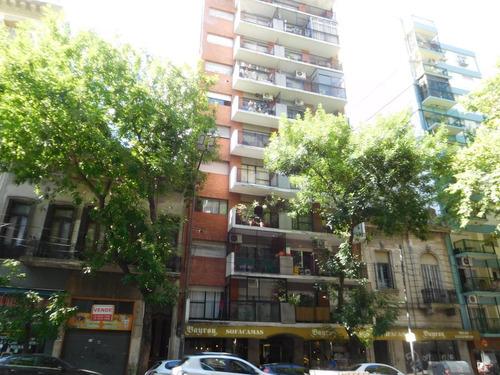 Balvanera Avda Belgrano Y Jujuy, 2 Ambientes Con 2 Patios, Ideal Inversion, Excelente Ubicacion