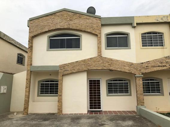Casa En Alquiler Cabudare Centro 20-18821 Rm 04245038618