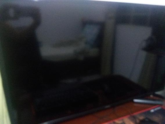 Tv Samsung 40 Polegadas (tela Quebrada)