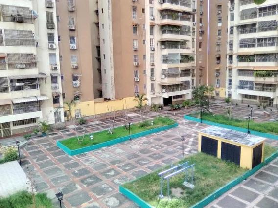 Se Vende Apartamento En Zona Centro Maracay Mm 19-17917