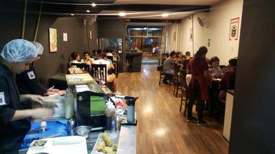 Traspaso Local De Sushi Por Viaje, Buena Clientela