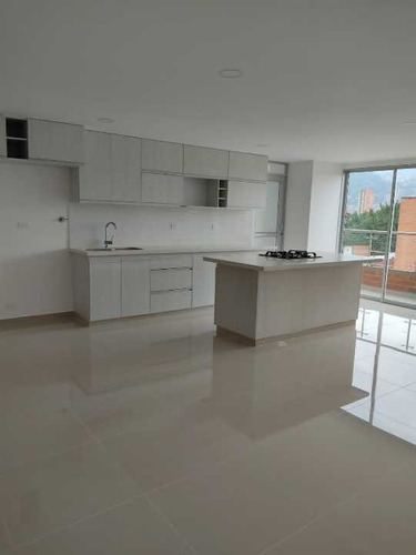 Imagen 1 de 14 de Venta Apartamento Simón Bolívar, Laureles, Medellín, Antioquia