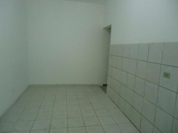 Casa Em Jardim Santa Rosa, Taboão Da Serra/sp De 125m² 1 Quartos Para Locação R$ 700,00/mes - Ca394345