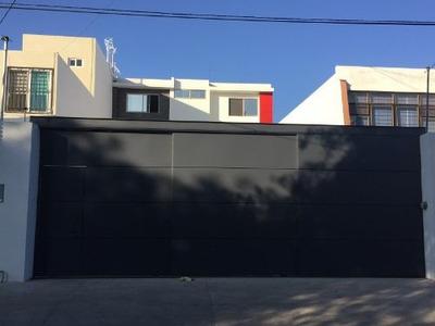 Edificio 3 Pisos Nuevo, Calle Gabrille D Annunzio, Jardines