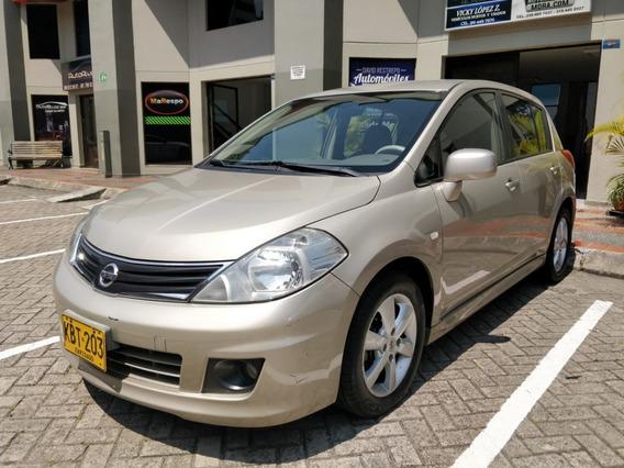 Excelente Nissan Tiida Hatch Back Automático Excelente 2010