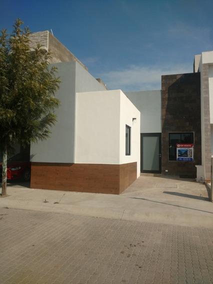 Casa Una Planta,con Altura 3 Metros Y Acabados De Lujo