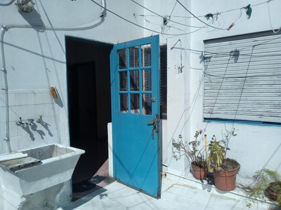 Departamento En Planta Alta - 3 Dormitorios- Sin Expensas.-