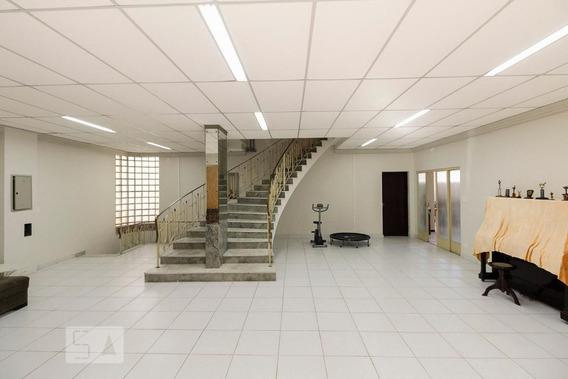 Casa Mobiliada Com 5 Dormitórios E 8 Garagens - Id: 892910300 - 210300