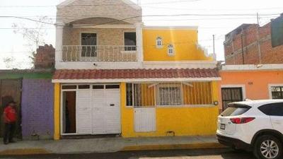 Casa En Venta En La Lupita