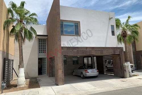 Hermosa Casa En Condominio Privado En Super Excelente Sector En Campestre Primavera En Ciudad Juárez