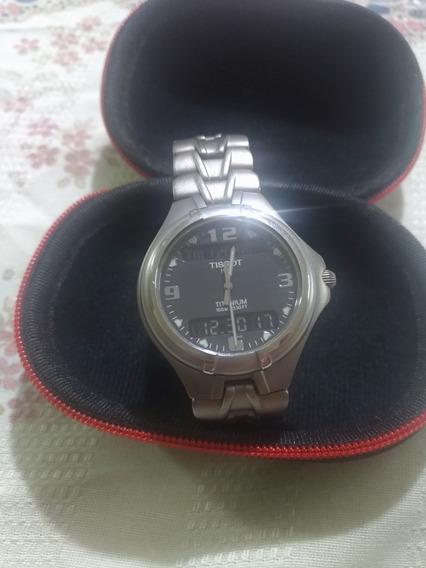 Relógio Tissot T690 Titanio ,vidro De Safira
